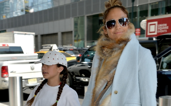 jlo-and-daughter-emme