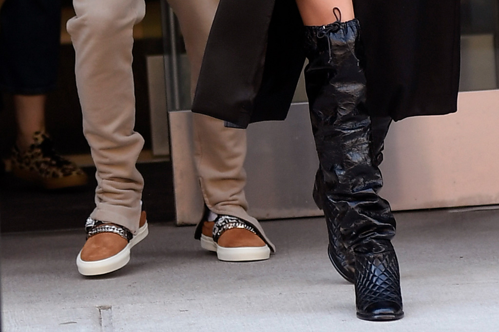 justin bieber, hailey bieber, new york, house of drew, shoes