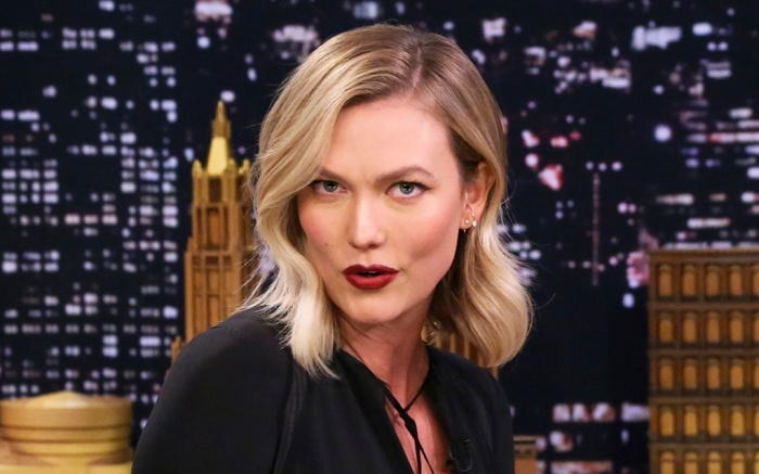 THE TONIGHT SHOW STARRING JIMMY FALLON -- Episode 1027 -- Pictured: (l-r) Model Karlie Kloss during an interview with host Jimmy Fallon on March 11, 2019 -- (Photo by: Andrew Lipovsky/NBC)