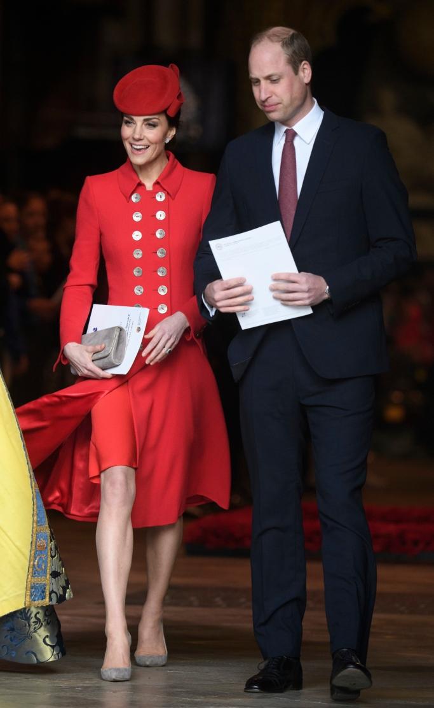 kate middleton, Emmy London Rebecca pumps, Catherine walker coat dress