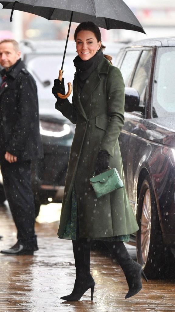 kate middleton, green coat, blackpool