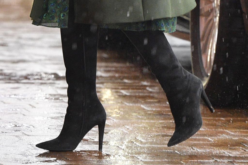 kate middleton, black boots, blackpool