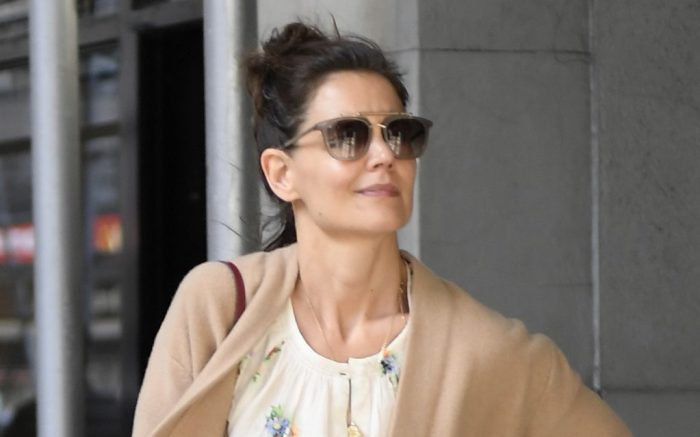 Katie Holmes steps out for a walk with a friend a day after been photographed on a romantic NYC walk with her Boyfriend Jamie Foxx amid split speculation in New York CityKatie wears:Handbag- ChanelPictured: Katie HolmesRef: SPL5075492 280319 NON-EXCLUSIVEPicture by: Elder Ordonez / SplashNews.comSplash News and PicturesLos Angeles: 310-821-2666New York: 212-619-2666London: 0207 644 7656Milan: 02 4399 8577photodesk@splashnews.comWorld Rights, No Portugal Rights