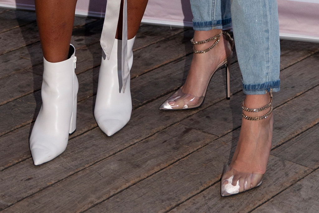kelia moniz, hailey bieber, roxy sister, shoes