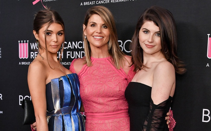 Olivia Jade, Lori Loughlin and Bella GiannulliThe Women's Cancer Research Fund hosts An Unforgettable Evening, Arrivals, Beverly Wilshire Hotel, Los Angeles, USA - 28 Feb 2019