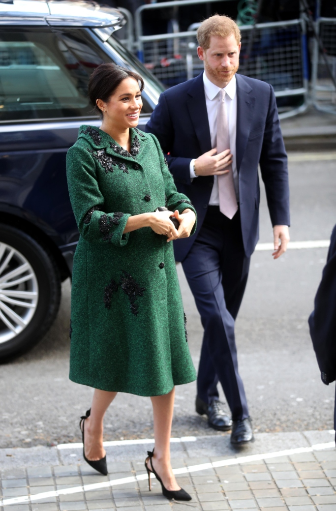 meghan markle, prince harry, erdem fall 2019, aquazzura Deneuve bow pumps