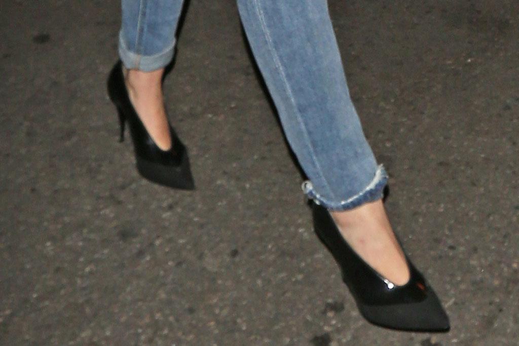 Miley Cyrus, high heels, clubbing, 2019