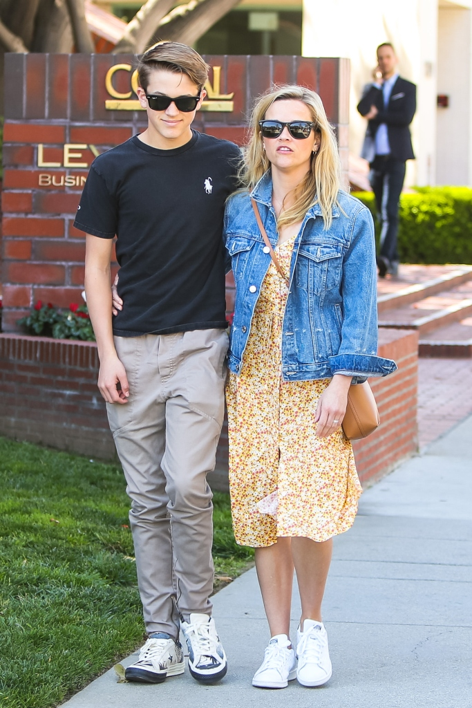 Reese Witherspoon, Deacon Phillippe, adidas stan smith,