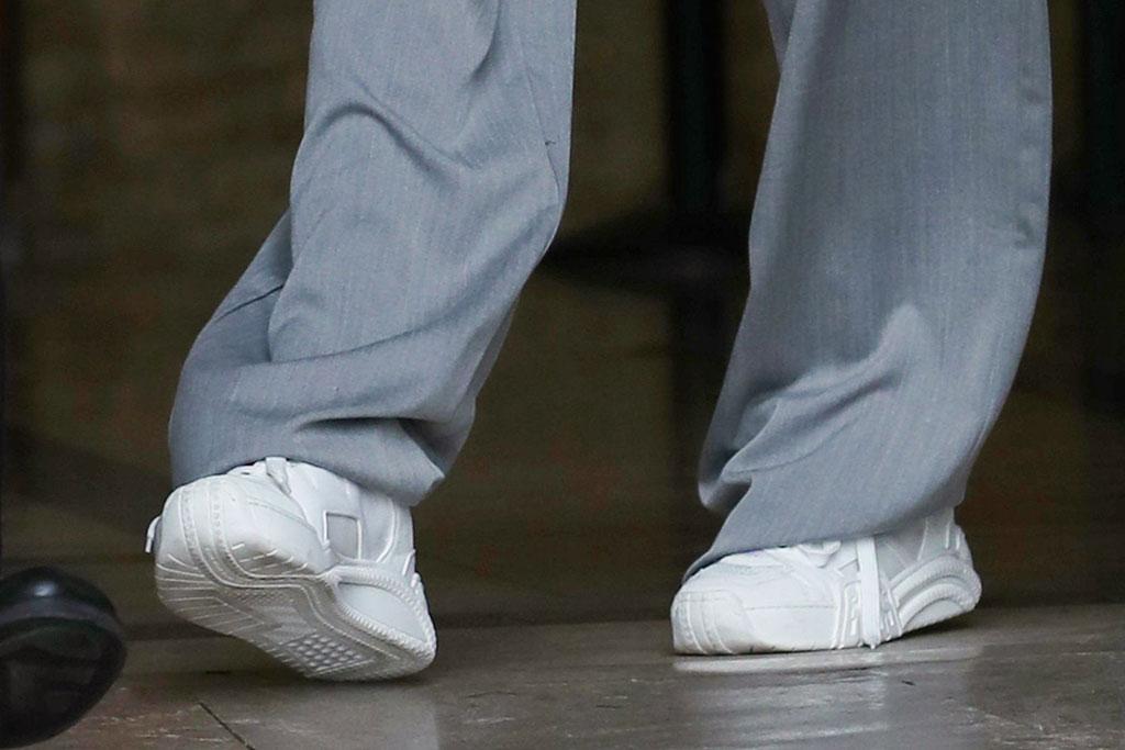 Bella Hadid, sneakers, paris fashion week, street style, celebrity style