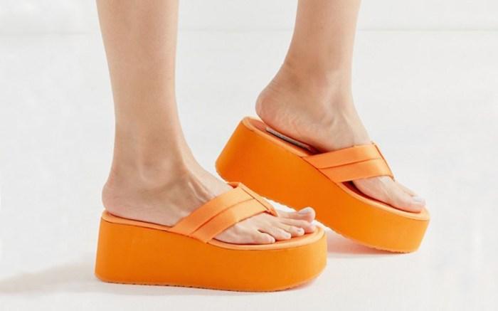 Steve Madden Contempo platform sandal.