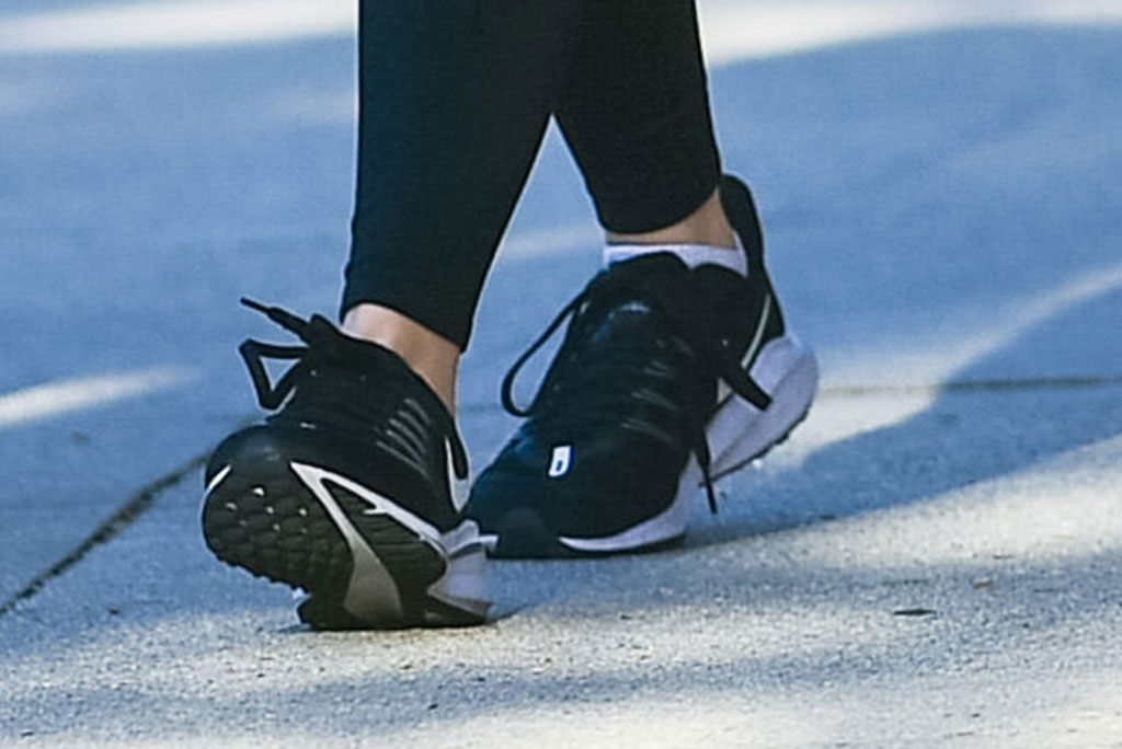 ariel winter, gym, nike running sneakers, celebrity style