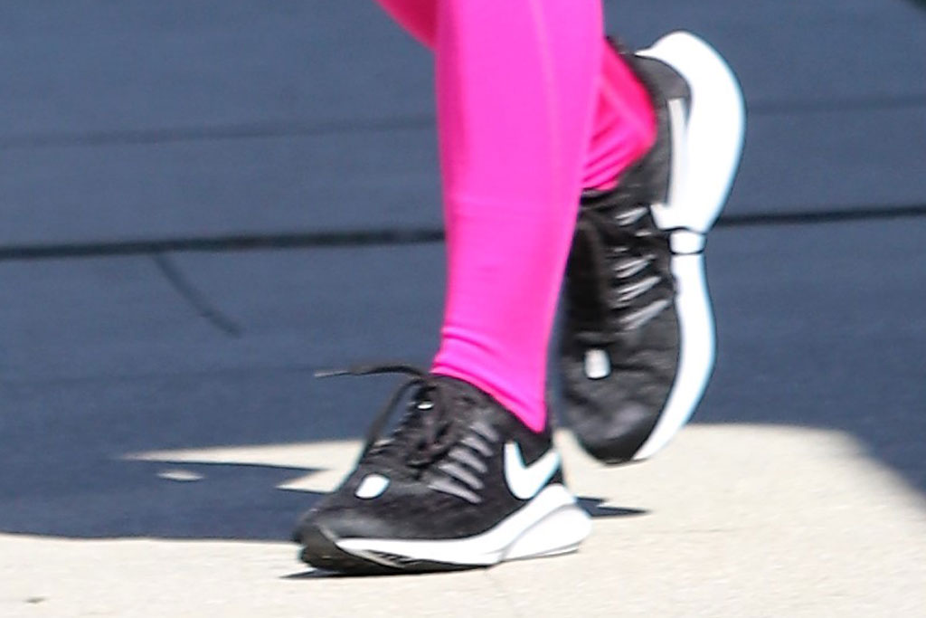 Ariel Winter, nike sneakers, celebrity style,