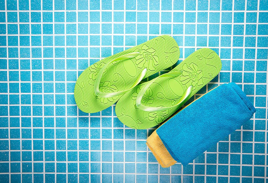 Best Shower Shoes on Amazon – Footwear News