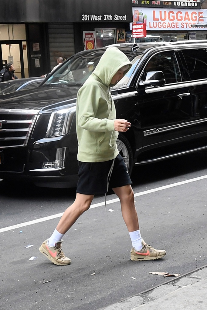 RM, sweatshirt, nike, sneakers, BTS Band Members Jungkook, Jimin, V, Suga, Jin, RM, J-Hope taking a walk in New York City promoting their new single Map of The Soul PersonaPictured: Jungkook,Jimin,V,Suga,Jin,RM,J-HopeRef: SPL5079601 120419 NON-EXCLUSIVEPicture by: Elder Ordonez / SplashNews.comSplash News and PicturesLos Angeles: 310-821-2666New York: 212-619-2666London: 0207 644 7656Milan: 02 4399 8577photodesk@splashnews.comWorld Rights, No Portugal Rights