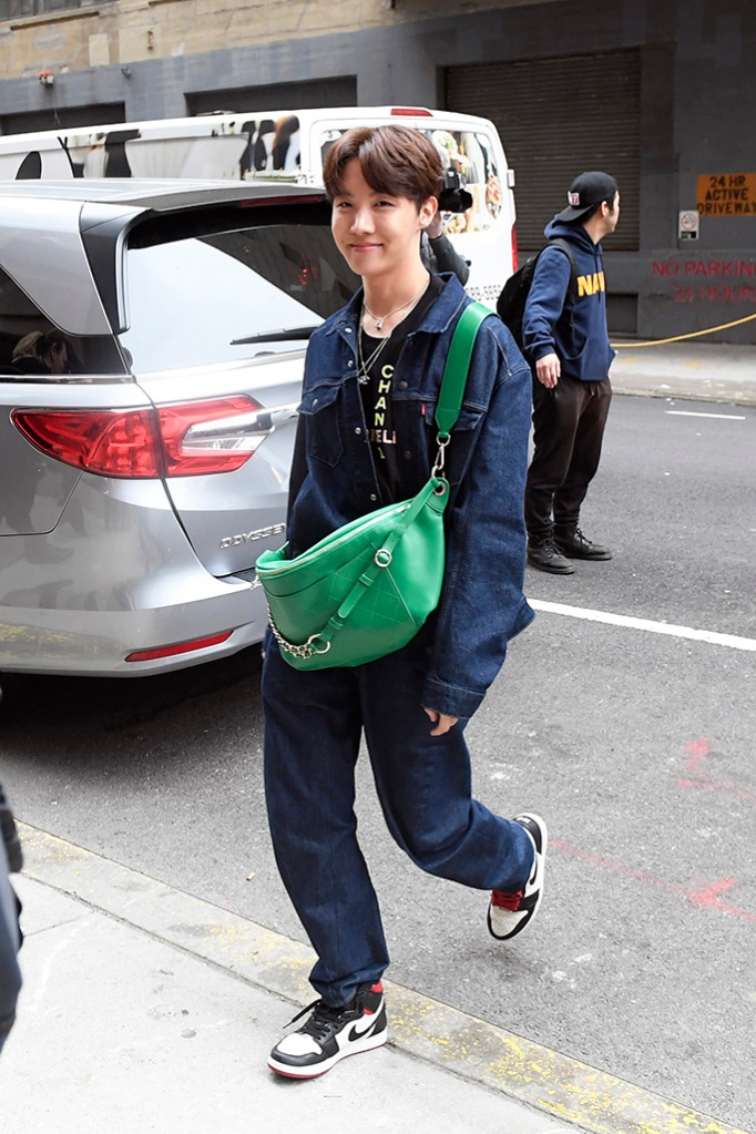 BTS Band Members arriving at tv studios this morning in New York CityPictured: J-Hope Ref: SPL5079416 120419 NON-EXCLUSIVE Picture by: Elder Ordonez / SplashNews.com Splash News and Pictures Los Angeles: 310-821-2666 New York: 212-619-2666 London: 0207 644 7656 Milan: 02 4399 8577 photodesk@splashnews.com World Rights, No Portugal Rights
