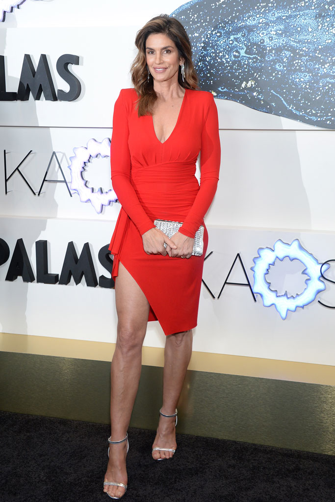 Cindy Crawford, silver sandals, red dress, red carpet, las vegas, palms resort casino, las vegas, supermodel, celebrity style