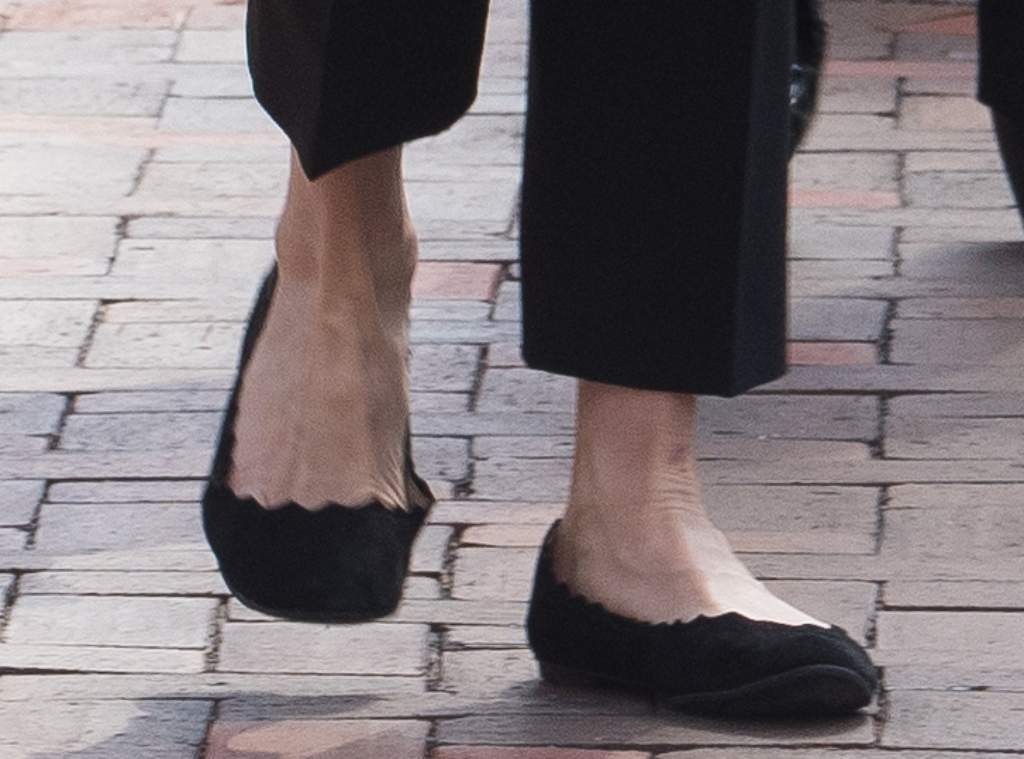 felicity huffman shoes