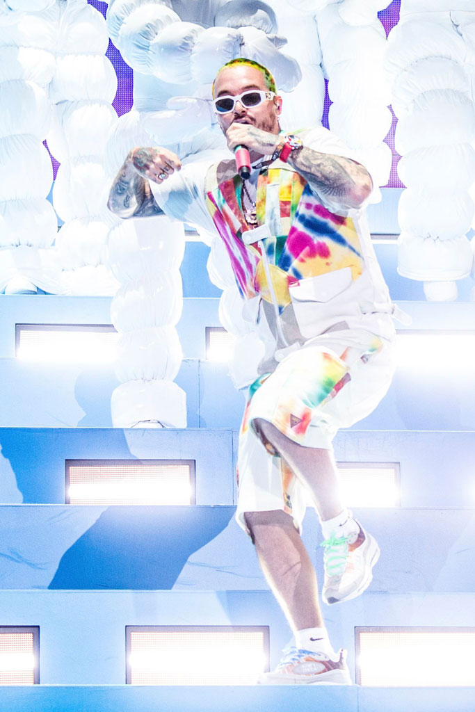 J Balvin, coachella, air max 98 sneakers, celebrity style, onstage style