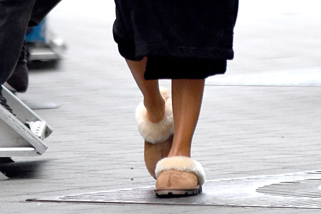 jennifer lopez, ugg slippers, uggs, hustlers, new york, jlo