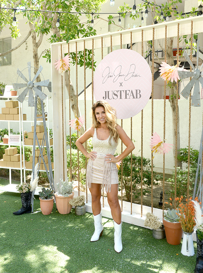 PALM SPRINGS, CALIFORNIA - APRIL 26: Jessie James Decker attends Boots & Brunch by Jessie James Decker and JustFab at Avalon Hotel Palm Springs on April 26, 2019 in Palm Springs, California. (Photo by Vivien Killilea/Getty Images for JustFab.com)