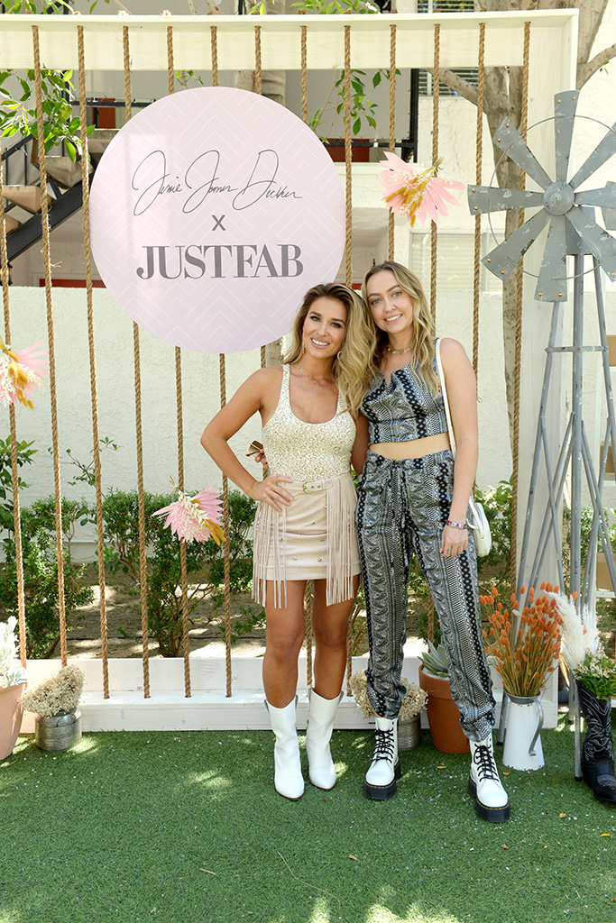 PALM SPRINGS, CALIFORNIA - APRIL 26: Jessie James Decker and Brandi Cyrus attend Boots & Brunch by Jessie James Decker and JustFab at Avalon Hotel Palm Springs on April 26, 2019 in Palm Springs, California. (Photo by Vivien Killilea/Getty Images for JustFab.com)