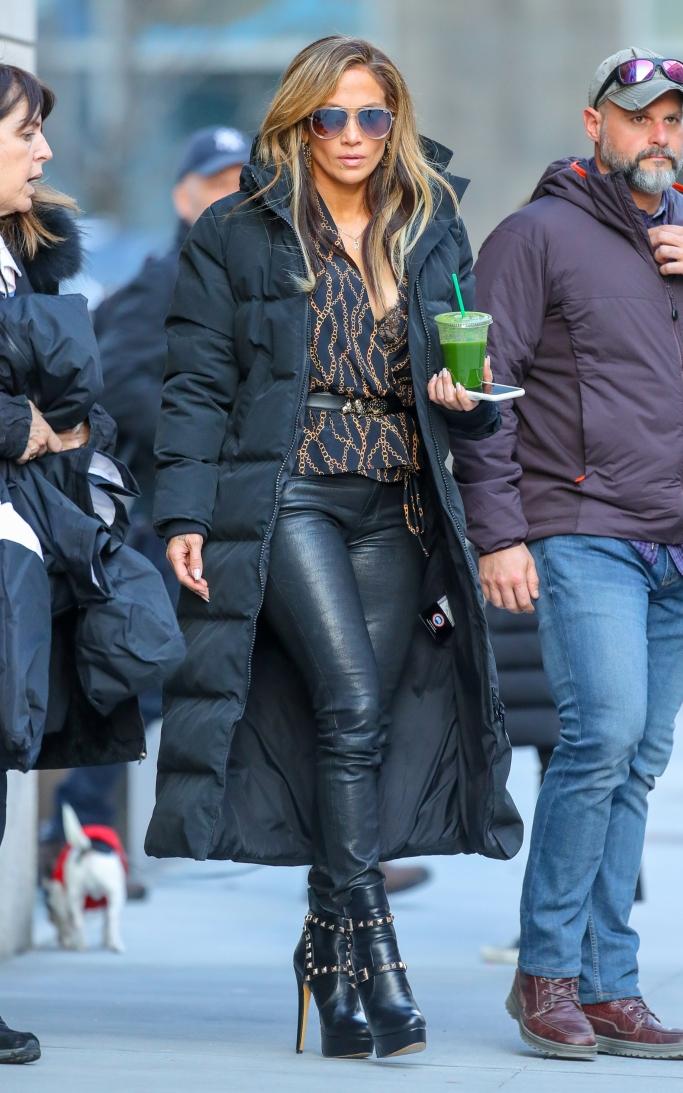 Jennifer Lopez hustlers set