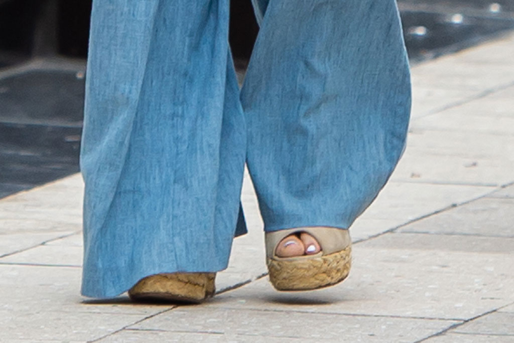 jennifer lopez, j lo, wedge sandals, celebrity style, miami