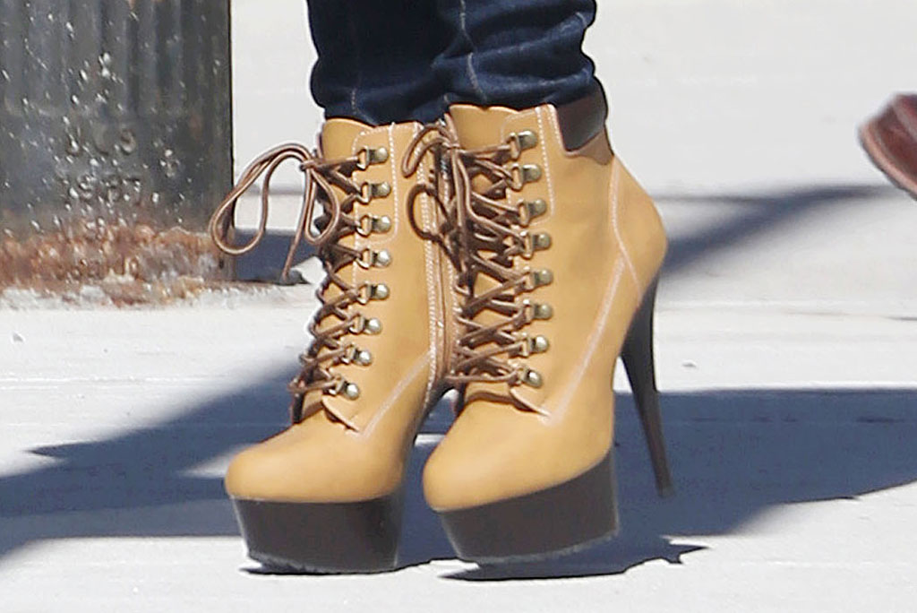 Jennifer Lopez, high heels, ankle boots, celebrity style, hustlers, film set