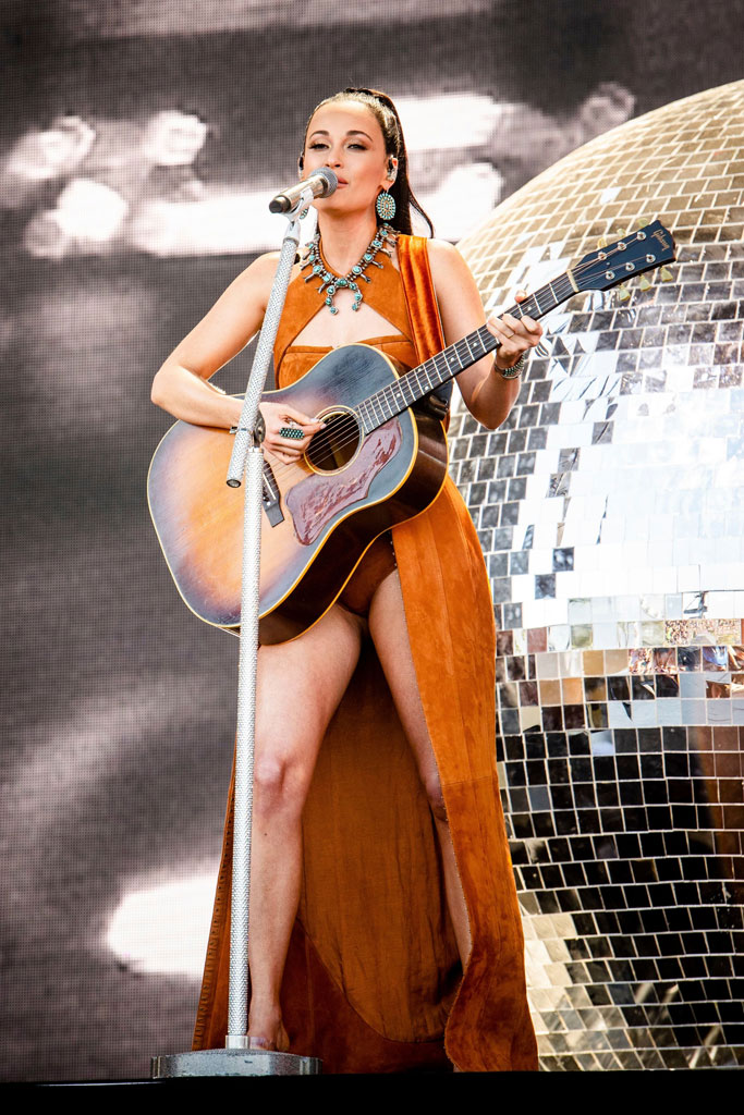 Kacey Musgraves, Coachella 2019, weekend 2, balmain, celebrity style, see-through sandals, guitar