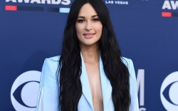 Kacey Musgraves arrives at the 54th
