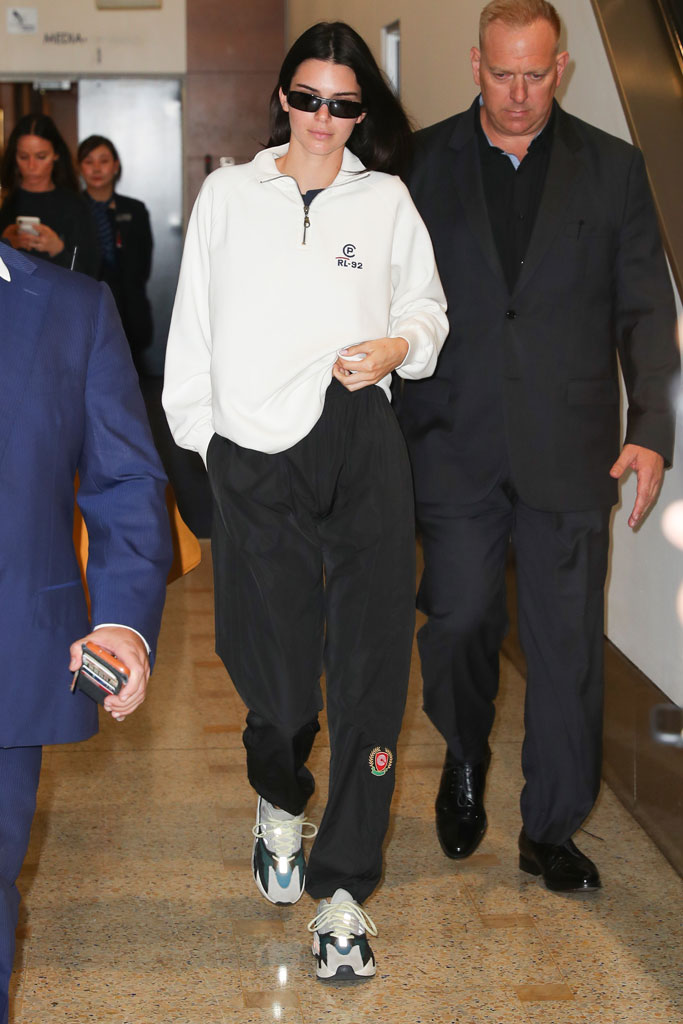 Kendall Jenner, airport style, sydney, australia, april 2019, yeezy sneakers
