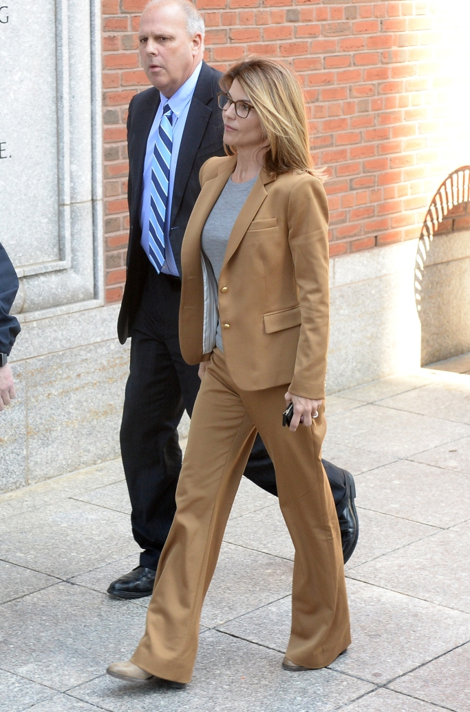 lori loughlin court appearance