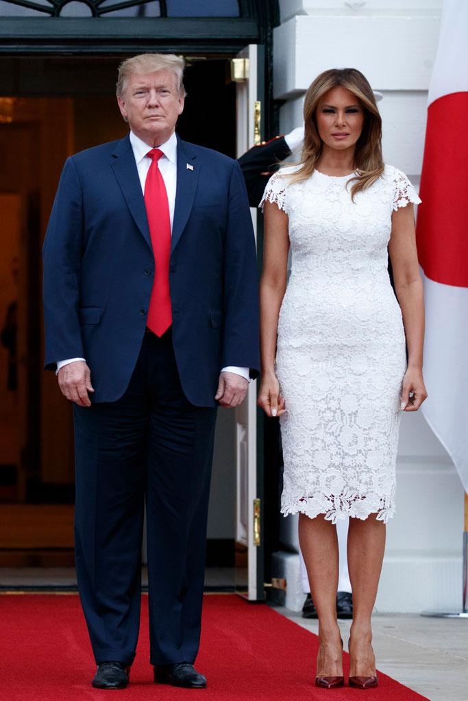 melania trump, white house, celebrity style, white lace dress, metallic pumps, washington dc, president donald trump
