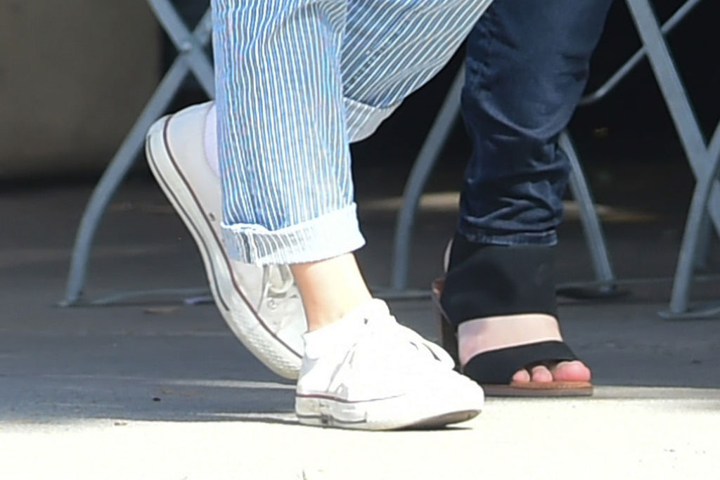 mila kunis, converse chuck taylor all-star sneakers, celebrity style, street style