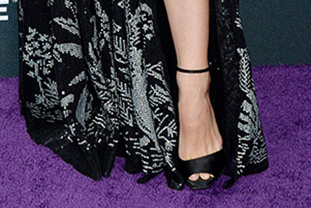 natalie portman, red carpet, avengers: endgame, strappy sandals, celebrity style