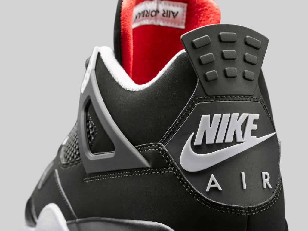 Air Jordan 4 'Bred'
