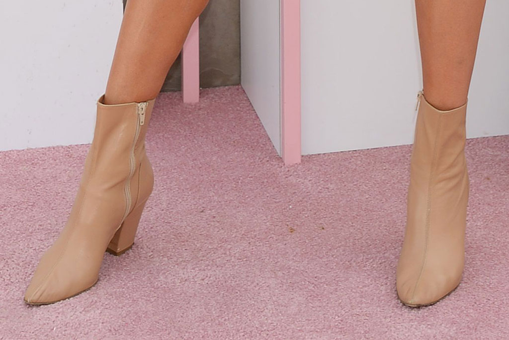 olivia culpo, celebrity style, ankle boots, desert, coachella, indio, california