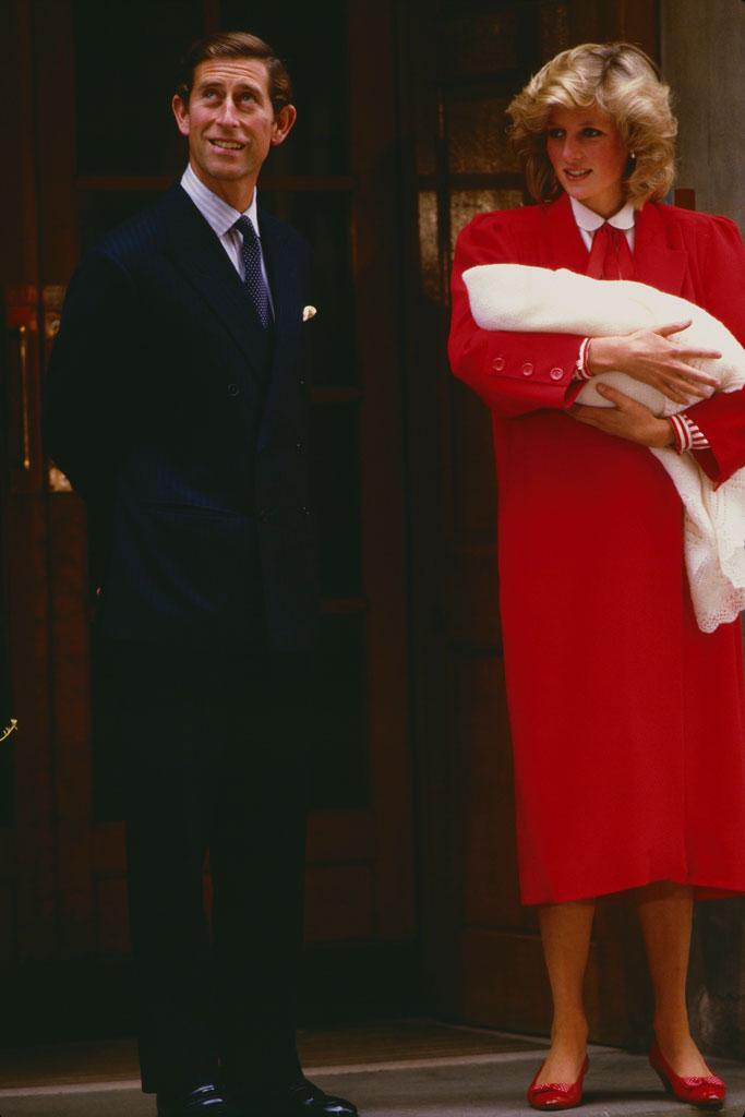 Princess Diana, red coatdress, high heels, prince harry, birth, Prince Charles, st mary's hospital