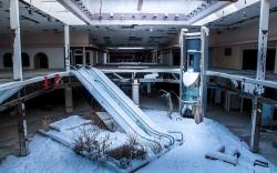 Wintertime at Rolling Acres Mall in