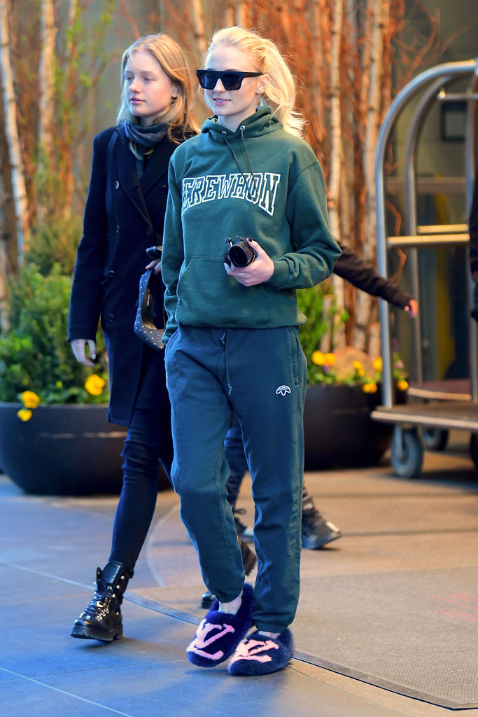 Sophie Turner, celebrity style, new york city, louis vuitton, house slippers, sweatshirt, sweatpants