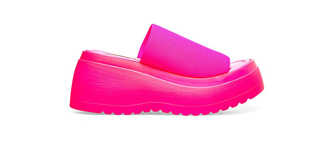 Steve Madden Scrunchy pink platform sandal