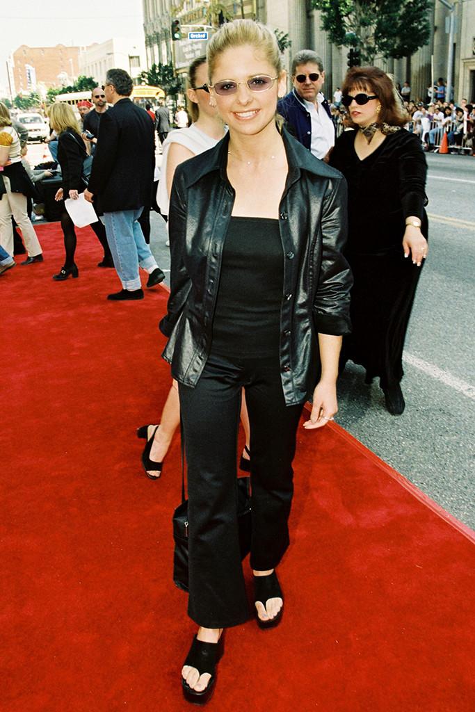 Sarah Michelle Gellar, 90s, platform sandals, 1998
