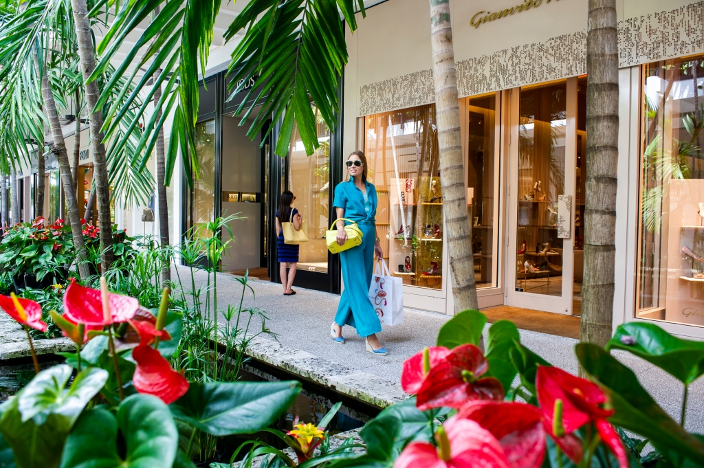 Outdoor promenade of Bal Harbour Shops