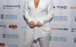 bebe-rexha-all-white-shoes
