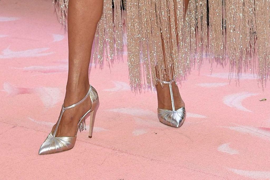 Céline Dion, chloe gosselin t-strap pumps, metallic heels