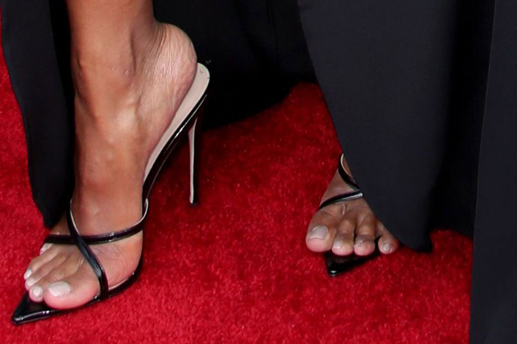 Ciara, sandals, red carpet, bbmas 2019