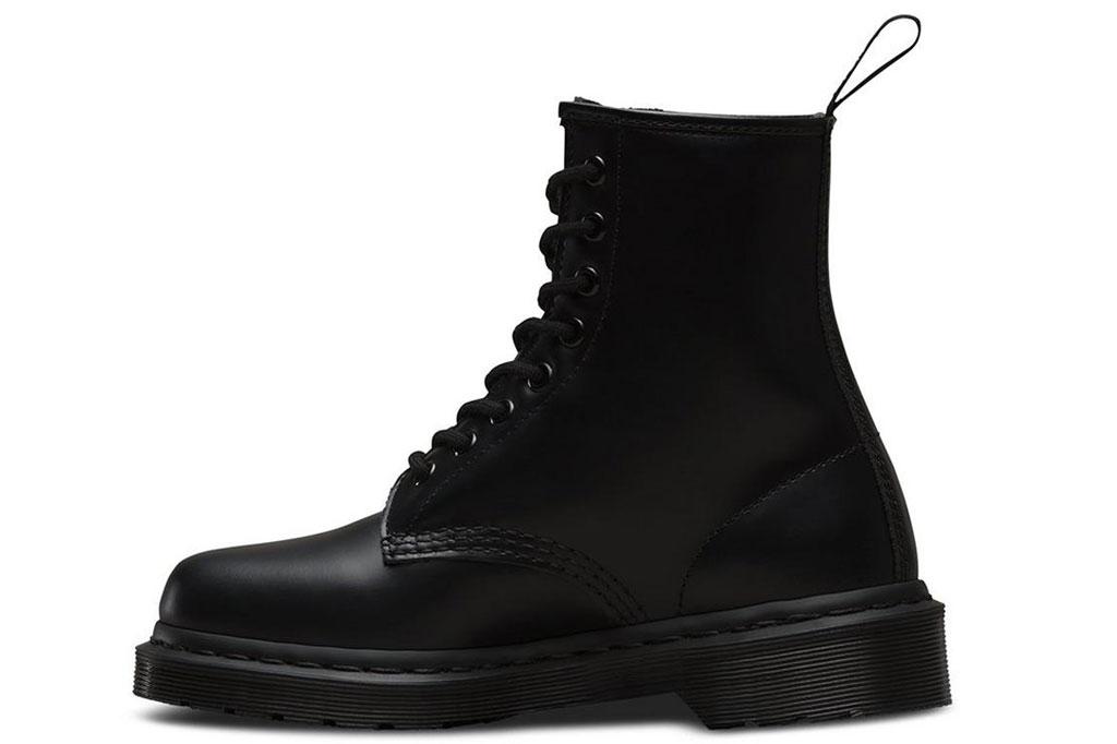 dr. martens mono 1460 boots