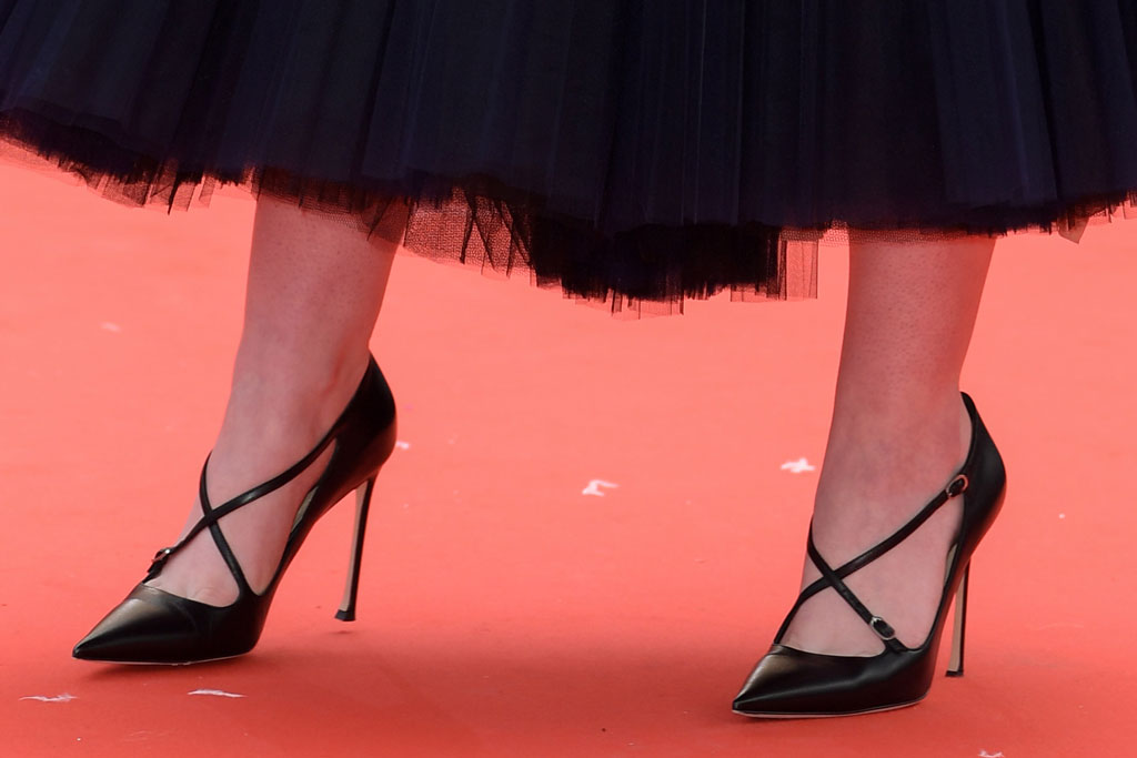 Elle Fanning, criss-cross pumps, celebrity style, dior