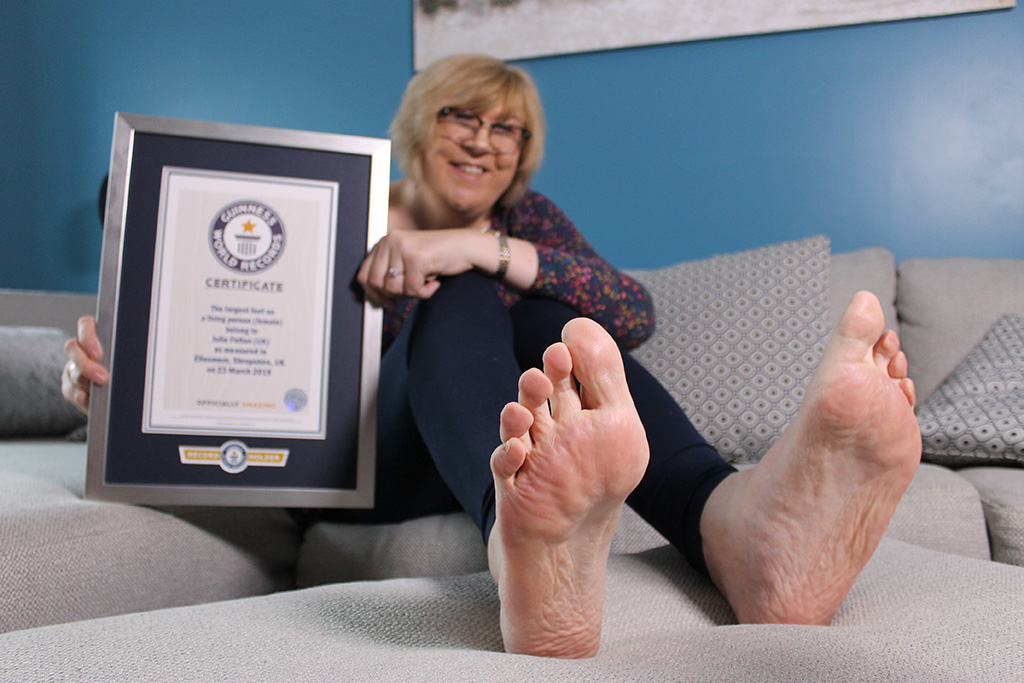 Guinness World Records, Julie Felton, largest feet in the world woman