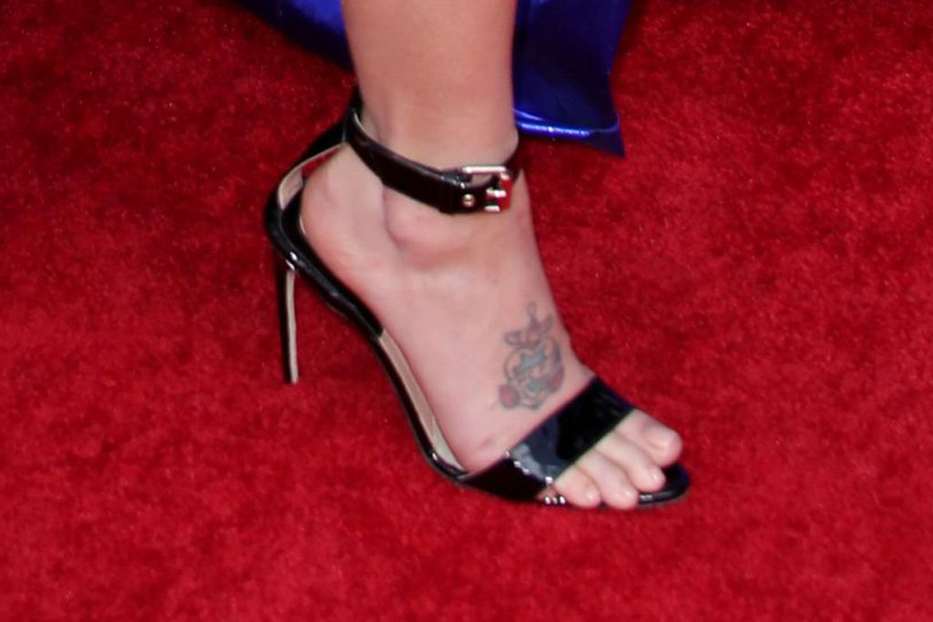 halsey, black ankle-strap sandals, bbmas red carpet